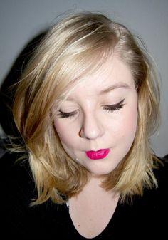 Pink lips, brown eyeliner, brown winged eyeliner - http://www.liseemilia.com/