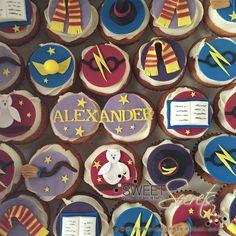 Harry Potter Cupcakes www.sweetsecretsdubai.com Harry Potter Cupcakes, Buttercream Cupcakes, Sugar, Cookies, Sweet, Party, Desserts, Food, Crack Crackers