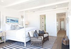 Blue-and-white-coastal-bedroom.-Blue-and-white-coastal-master-bedroom.-Blue-and-white-coastal-master-bedroom-with-fireplace.-Blueandwhite-coastal-masterbedroom.jpg (660×460)