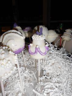 cake pop. mini wedding cake