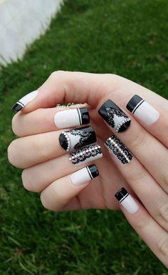 35 Modelos de unhas em preto para você se inspirar; fotos Manicure Y Pedicure, Fabulous Nails, Erika, Nailart, Nail Designs, Barbie, Jewelry, Light Nails, Perfect Nails