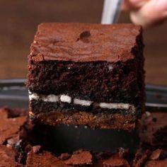 Triple Decker 'Box' Brownies Easy Dessert Recipe by Tasty 3 Ingredient Desserts, 3 Ingredient Cookies, Dessert Bars, Dessert Recipes, Dessert Ideas, Soup Recipes, Recipies, Microwave Chocolate Chip Cookie, Starbucks