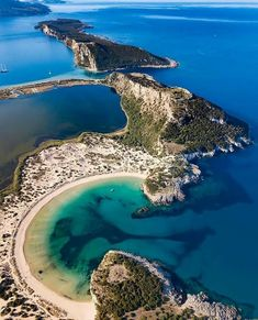 Five reasons to make Greece your next holiday destination - ePub Zone Cool Places To Visit, Places To Travel, Places To Go, Greece Vacation, Greece Travel, Beautiful Islands, Beautiful Beaches, Hotel Am Strand, Belle Image Nature