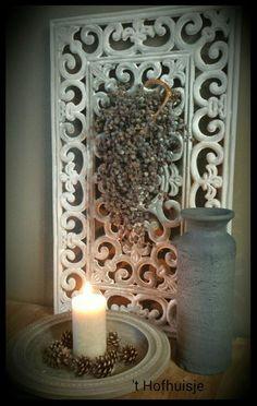 ▪ Een tijdje geleden kwam ik ergens een leuk idee tegen, een wandpaneel gemaakt van een rubberen deurmat. Dat wilde ik ook weleen...