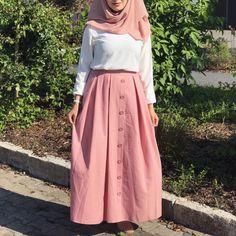 PİNTEREST Telegei Hijab Style Dress, Casual Hijab Outfit, Hijab Chic, Abaya Fashion, Muslim Fashion, Skirt Fashion, Fashion Dresses, Modest Dresses, Modest Outfits