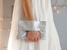 Pochette de soirée argentée, pochette mariage, tissu argent à paillettes, portefeuille, sac à main, sac de soirée, nouvel an, jour de l'an de la boutique mylmelo sur Etsy