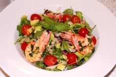 Salata picanta cu creveti si avocado