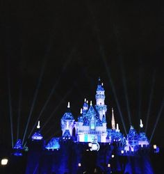 Why a trip to a Disney park might be the best holiday present EVER. Disneyland California Adventure, Disneyland Vacation, Disneyland Tips, Disney Vacations, Disney World Tips And Tricks, Disney Tips, Disney Parks, Disneyland Christmas, Christmas Travel