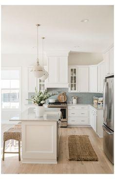 Home Decor Kitchen, Kitchen Interior, Home Kitchens, Design Kitchen, Boho Kitchen, Farmhouse Kitchens, Coastal Farmhouse, Modern Farmhouse, Kitchen Dining
