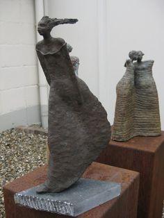Hanneke+van+den+Bergh_+sculptures