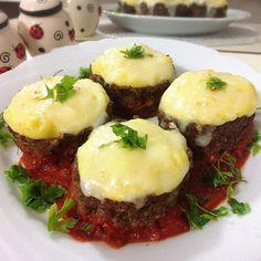 Turkish Recipes, Ethnic Recipes, Turkish Delight, Meatball Recipes, Iftar, Bon Appetit, Baked Potato, Mashed Potatoes, Good Food