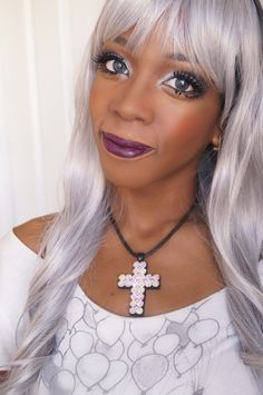 have been searching for silver hair on darker skin, looks AWESOME def on my list Black Rock, Black Girls Rock, Silver Grey Hair, Black Hair, Temporary Face Tattoos, Grey Hair Inspiration, Texturizer On Natural Hair, Circle Lenses, Afro Punk