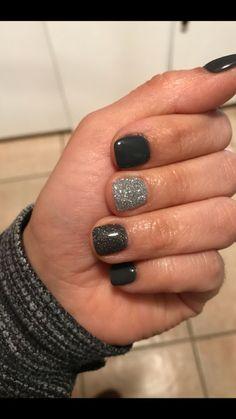 Gray dip nails dip nails in 2019 nails, powder nails, dipped nails. Fancy Nails, Love Nails, How To Do Nails, Pretty Nails, My Nails, Cute Black Nails, Black Nails Short, Gel Shellac Nails, Dipped Nails