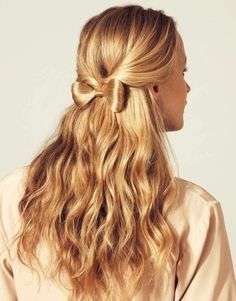 Small bow and loose curls