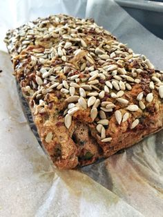 Paleo seed and nut bread recipe by Pete Evans - Travelletto