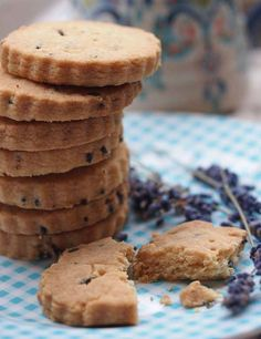 Lavender Shortbread, the taste of summer all year round www.larderlove.com  #recipe #dessert