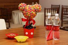 Há muitas ideias criativas de topiarias para festa infantil (Foto: party-wagon.com)