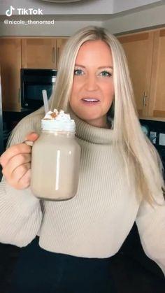 Pink Drink Recipes, Coffee Drink Recipes, Yummy Drinks, Yummy Food, Healthy Starbucks Drinks, Starbucks Recipes, Fun Baking Recipes, Cooking Recipes, Smoothie Drinks