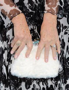Pin for Later: Mit diesen Maniküren verpassen die Stars ihrem Look den letzten Schliff Helen Mirren, Critics' Choice Awards