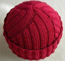To prepare the garden a mattock was utilized to break up the clay into smaller s ¡El famoso gorro rojo de Cdt Cousteau! Knitting Patterns Free, Knit Patterns, Free Knitting, Free Pattern, Pattern Ideas, Knitting Ideas, Knitting Yarn, Baby Knitting, Bonnet Marin