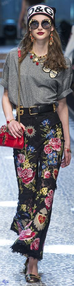 Fall 2017 RTW Dolce & Gabbana #etnic_style_clothes