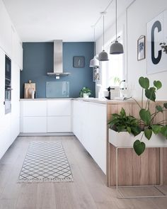 25 Eclectic Scandinavian Kitchen Designs (Let's Bring the Charm!) 25 Eclectic Scandinavian Kitchen Designs (Let's Bring the Charm! Farmhouse Kitchen Decor, Farmhouse Design, Country Kitchen, New Kitchen, Kitchen Ideas, Kitchen Grey, Awesome Kitchen, Kitchen Modern, Kitchen Living
