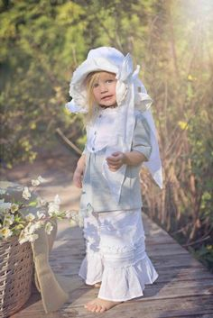 Girls Silver Pretty Flower SandalToddler 5 to Youth 4Now in Stock