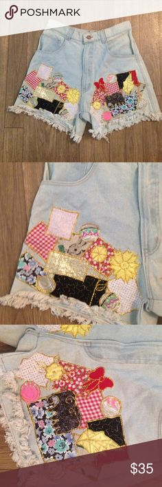Vintage shorts High waisted with patches no tag but would fit a 3/4 or 5/6 Vintage Shorts Jean Shorts