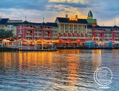 All About the Disney Boardwalk:Restaurants, Resort, and Entertainment - | Family Travel Magazine Disney World Tips And Tricks, Disney Tips, Disney Disney, Disney World Resorts, Walt Disney World, Disney Home Decor, Home Decor Pictures, Disney Cruise Line, Most Beautiful Pictures