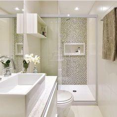 E a inspiração para essa manhã é deste belíssimo banheiro super moderno! Via: @decoredecor.