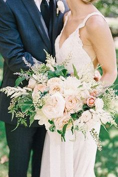 Al Fresco California Wedding Beautiful garden-style bouquet with romantic blush blooms and Jasmine.Beautiful garden-style bouquet with romantic blush blooms and Jasmine. Blush Wedding Flowers, Wedding Flower Arrangements, Flower Bouquet Wedding, Floral Wedding, Wedding Colors, Bouquet Flowers, Blue Wedding, Purple Flowers, Fall Wedding