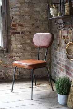 3 Valuable Clever Tips: Rustic Dining Furniture Brick Walls dining furniture makeover annie sloan. Rustic Dining Chairs, Leather Dining Chairs, Metal Chairs, Dining Room Chairs, Dining Furniture, Furniture Decor, Furniture Design, Kitchen Chairs, Office Chairs