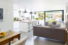 A cheap and stylish kitchen extension
