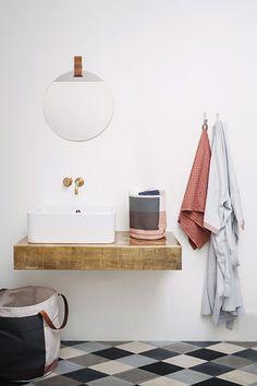 modern harlequin bathroom floor / sfgirlbybay