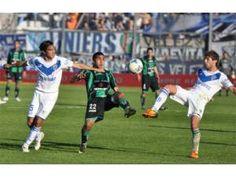 Torneo Inicial 2012 | Vélez apabulló a San Martín en San Juan por la cuarta fecha del torneo y se ilusiona (Foto: Diario Uno)  | Leé la nota completa en http://www.lapampadiaxdia.com.ar/2012/08/torneo-inicial-2012-velez-apabullo-san.html