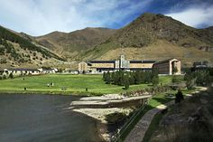 Vall de Nuria sanctuary in Catalonian Pyrenees of Spain is a favorite day trip for Spaniards Day Trip, Spanish, Travel Photography, Barcelona, Mansions, House Styles, World, Pyrenees, Jokes