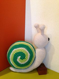 Greeny the Spiral Tricolor Snail by Teresa Alvarez | Free Ravelry pattern download