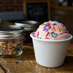 Best Ice Cream Spots in the U.S. Whether it's a Good Humor bar or $10 sundae, Americans love ice cream—and fantastic parlors are creating brilliant flavors with ultracreamy .