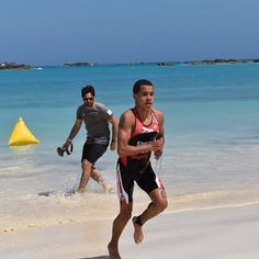 Well done to Tyler Smith who became the 2016 Bermuda International Aquathon champion in exciting fashion! #ExtraordinaryAthlete #Bermuda #Wearebermuda #Bermunity by digicelbermuda
