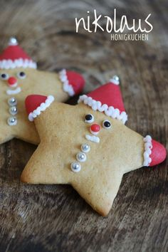 Nikolaus Honigkuchen ~ German Honey Gingerbread Cookies that look like Santa's little helpers Christmas Goodies, Christmas Desserts, Christmas Treats, Holiday Treats, Christmas Time, Christmas Recipes, Christmas Biscuits, Christmas Sugar Cookies, Holiday Cookies