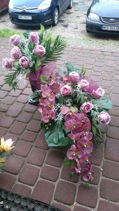 Beautiful Flower Arrangements, Floral Arrangements, Beautiful Flowers, Church Flowers, Funeral Flowers, Grave Decorations, Ikebana, Flower Vases, Altar