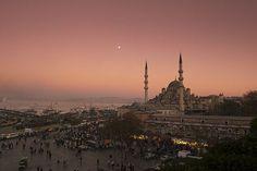 Sunset Photography, Travel Photography, Beautiful Sunset, Beautiful Places, Blue Mosque Istanbul, Places To Travel, Places To Visit, Sunset Photos, Paris Skyline