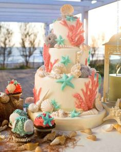 This seaside inspired wedding cake makes us want to hit the beach