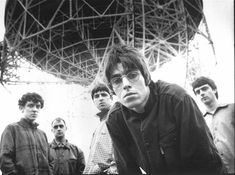 See Oasis pictures, photo shoots, and listen online to the latest music. Dance Music, Rock Music, Oasis Album, Oasis Band, Liam And Noel, Band Wallpapers, Liam Gallagher, British Rock, Britpop
