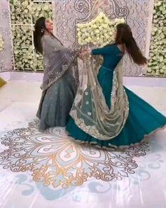 New Stylish Dress, Stylish Girl, Stylish Dresses, Wedding Dance Video, Indian Wedding Video, Dress Designs For Girls, Stylish Dress Designs, Indian Fashion Dresses, Indian Outfits
