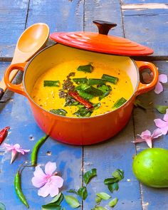 Kerala Mango Curry is a lovely tropical curry which is a healthy food recipe made with ripe mangoes and coconut. Mango Recipes, Fruit Recipes, Indian Food Recipes, Real Food Recipes, Easy Recipes, Easy Meals, Cooking Recipes, Mango Curry, Kerala Food