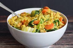 Low FODMAP tofu fried rice om van te smullen. Makkelijk om te maken en ontzettend lekker. Glutenvrij, lactosevrij, vegetarisch en vegan.