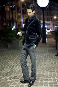 Velvet Blazer.    Healthy Happy Cool Chic onto If Girls Can be Fashionable and Stylish, so can Guys !!