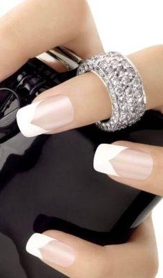 uñas decoradas elegantes francesa blanca
