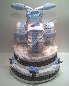 How to Make A Diaper Cake – Unique baby shower gift ideas. Learn how to make… How to Make A Diaper Cake – Unique baby shower gift ideas. Learn how to make… - Newborn Diaper Change Tricycle Diaper Cakes, Diaper Cake Boy, Diaper Motorcycle Cake, Blue Motorcycle, Nappy Cakes, Cake Baby, Baby Shower Crafts, Unique Baby Shower Gifts, Baby Shower Diapers